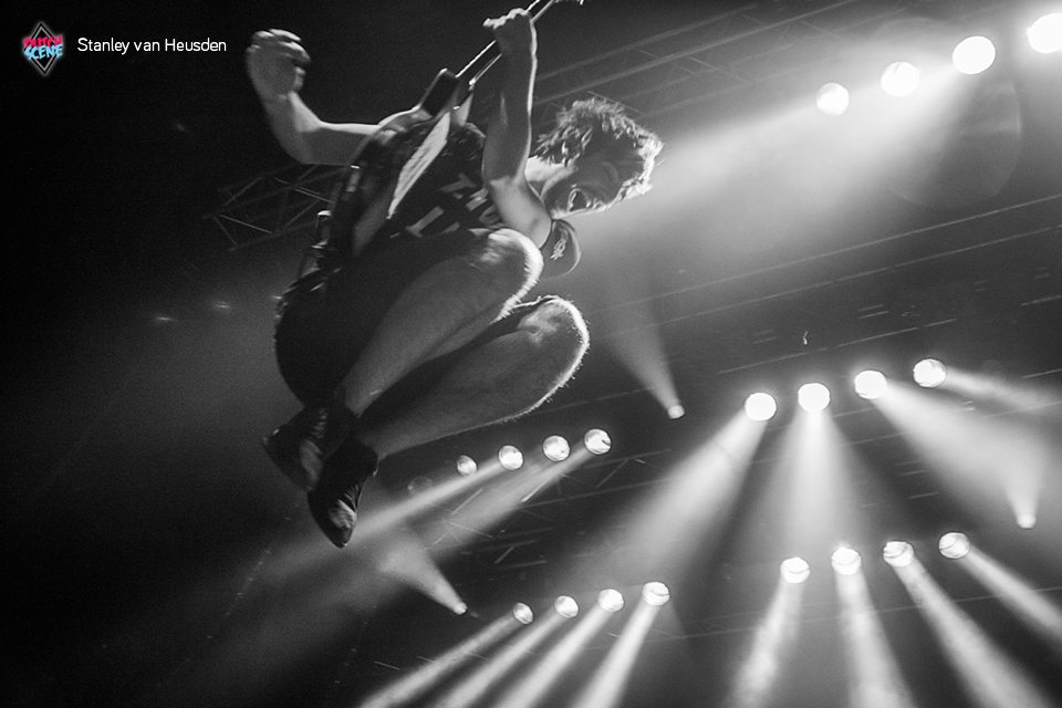 All Time Low en Colossa in 013 - DutchScene Paramore Afas Live