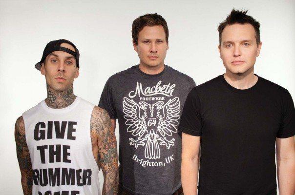 Blink-182 verkoopt tweede jaarlijkse kersttrui